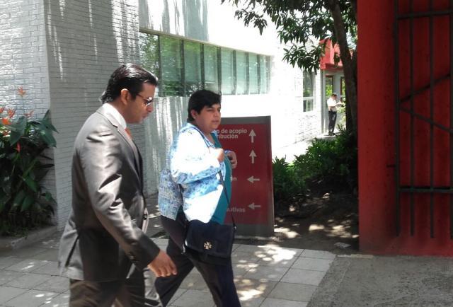 Asamblea de el Salvador investiga a exministro de Educación por bonificaciones