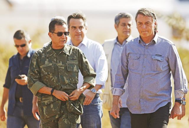 Bolsonaro viola la libertad de expresión al bloquear a partidarios críticos