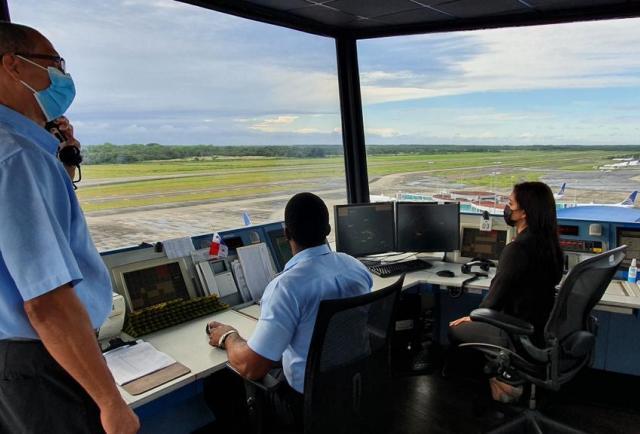 Controladores aéreos piden al Ejecutivo sancionar el proyecto de ley que reconoce su profesión