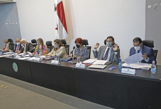 Declaran sesión permanente para discutir reformas electorales