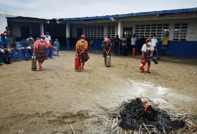 El Departamento de Bomberos de Panamá capacita a líderes comunitarios de la región de Guna Yala