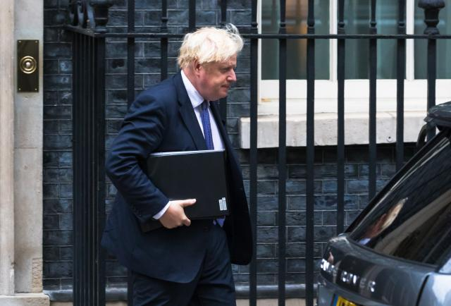 Johnson convoca una reunión del G7 para abordar el conflicto en Afganistán
