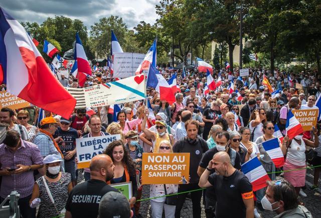 Las protestas contra el pasaporte covid suman seis semanas consecutivas en Francia