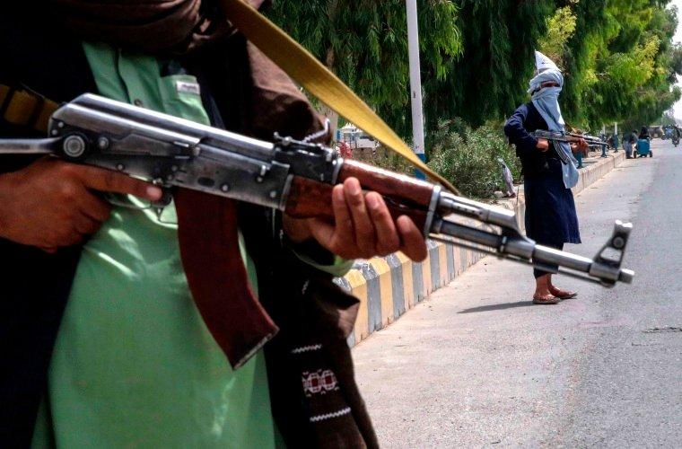 Los talibanes plantean consultas para formar un gobierno