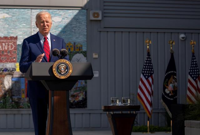 Biden pide unidad y dejar atrás el miedo 20 años después del 11 de septiembre