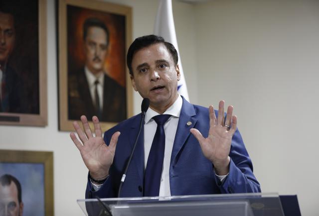 Contraloría Solís ordena auditoría a empresa que opera el puerto de Manzanillo, Colón