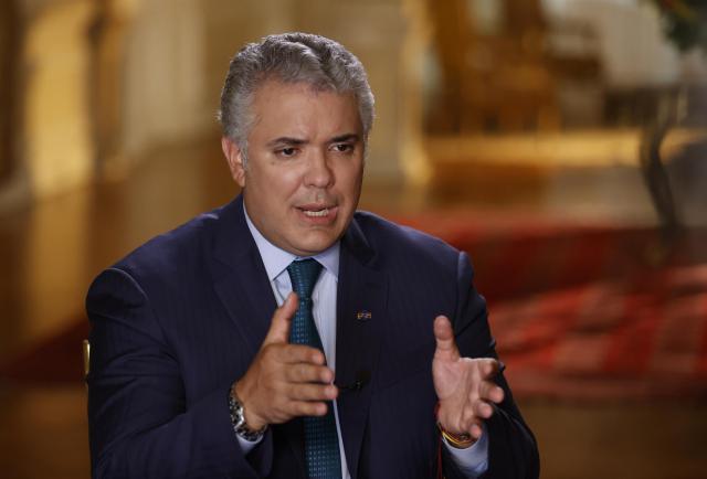 Duque pide la dimisión de uno de sus ministros tras un escándalo de corrupción