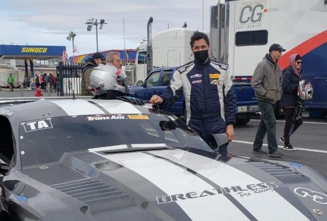 El panameño Oscar Terán sale a la pista de Nueva York este sábado