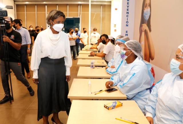 Panamá registra 6 nuevas muertes por covid-19;  El 50% de la población ya tiene aplicadas sus dos dosis de vacuna