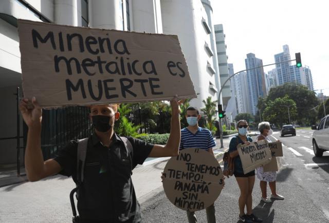 Protestan en rechazo a la renegociación del Estado con Minera Panamá