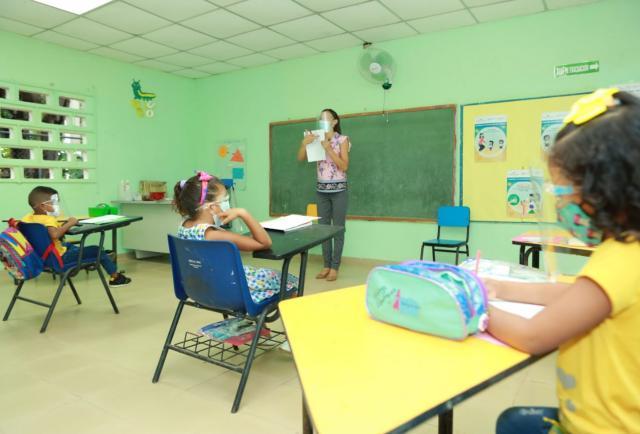 UNICEF insta a priorizar el regreso de los niños a la escuela