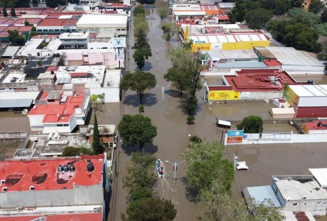Valle de la Ciudad de México se encuentra bajo el agua debido a las lluvias y mueren 17 personas