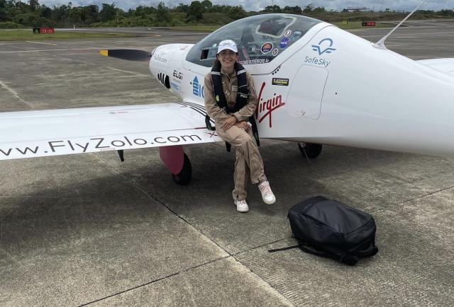 Zara Rutherford, la joven piloto que busca batir el récord mundial llega a Panamá