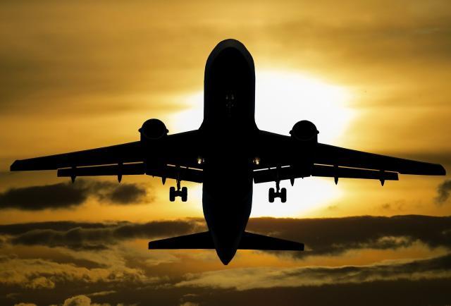 Acuerdo entre la DGCP y el servicio de Transporte y Logística de Carga Aérea promete compras dinámicas y eficientes