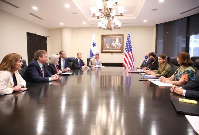 Canciller panameño recibe delegación del Congreso de Estados Unidos