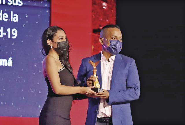 'El Decano' se alza con tres estatuillas en los premios Victoria