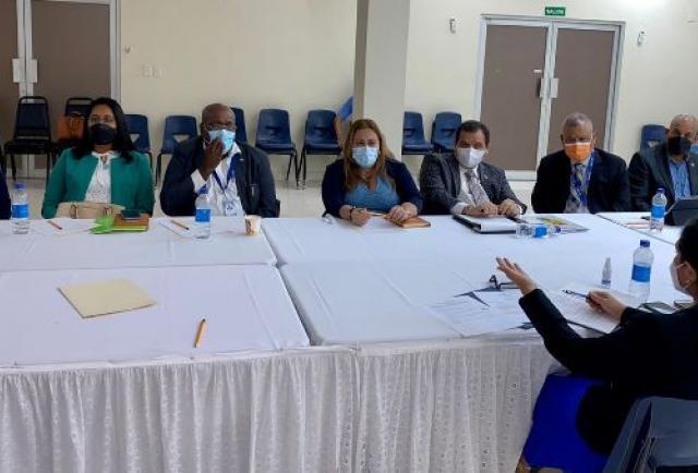 Instalan una mesa de diálogo para tratar temas relacionados con el sector aduanero