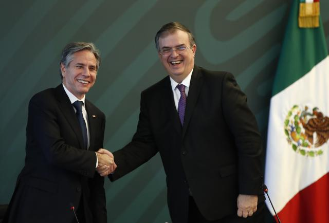 """México y Estados Unidos inician una """"alianza"""" de seguridad como """"socios iguales"""""""
