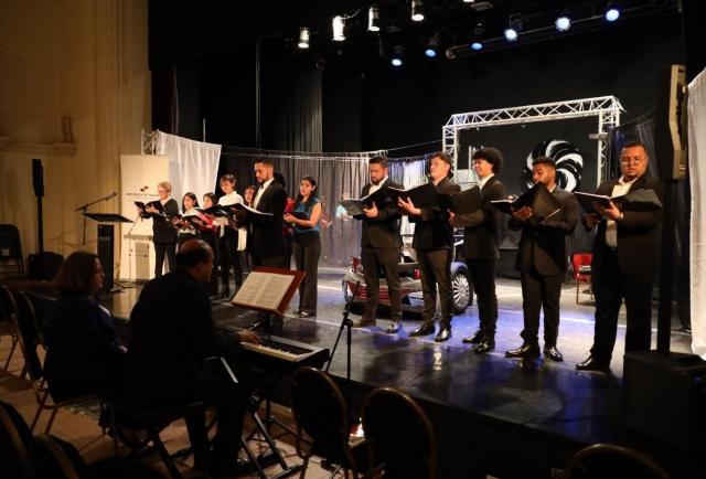 Voces panameñas se unen al Coro Bolivariano en la Cumbre de Colombia